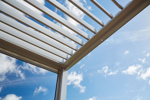 Bask louvre Roof can be opened or closed by a simple touch of the remote button